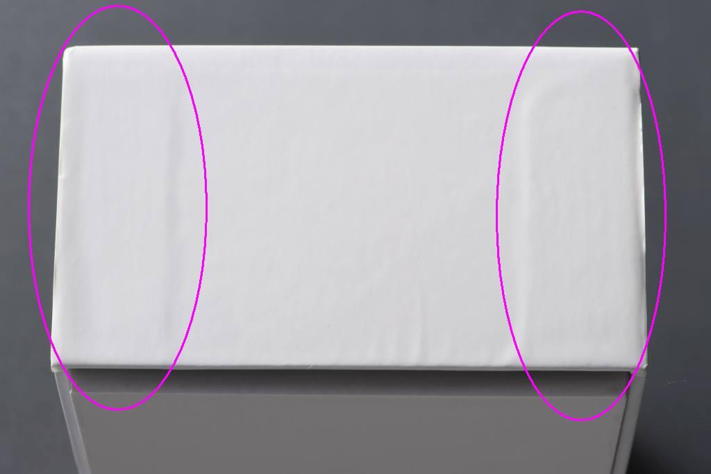 手作業での箱製造 凹凸の例1